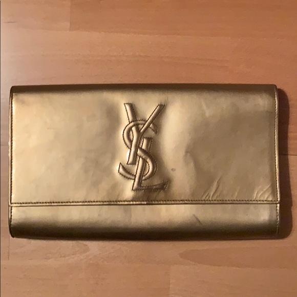 84383be49da62 Ysl patent leather gold clutch. M 5c354d1dc9bf500f0ec8339d